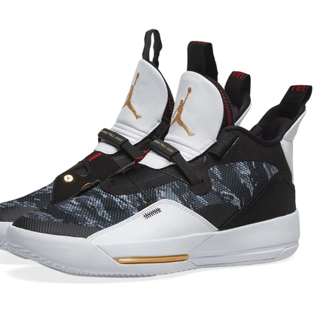 AIR JORDAN XXXIII  NIKE ナイキ BLACK, METALLIC GOLD & WHITE ブラック ホワイト 迷彩 PF