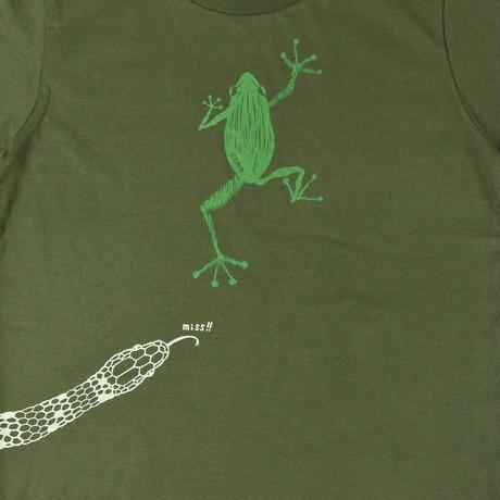 危機回避!蛇から逃げた蛙Tシャツ グリーン レディース