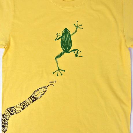 危機回避!蛇から逃げた蛙Tシャツ メンズ