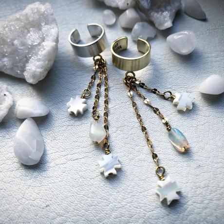 METEORA  shell opal ear cuff :brass