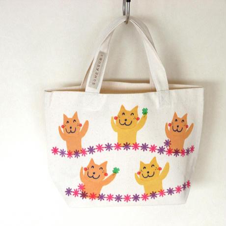 ☆お買い物に♪ランチバッグに♪便利に使えるミニトートバッグ(白地・ネコダンス)