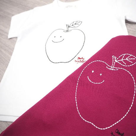 CLOUDY,FINE LATER りんご刺繍Tシャツ 522-067007