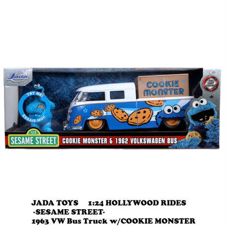 クッキーモンスター ダイキャストカー【SESAME STREET】【1963 VW Bus Truck】