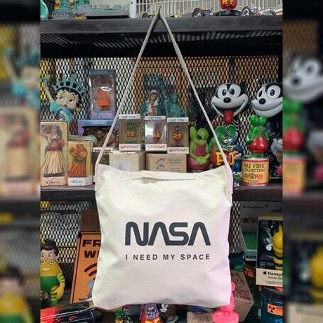 【特価品】NASA公認2ウェイショルダーバッグ(ホワイト)/ロゴタイプ(ワーム)