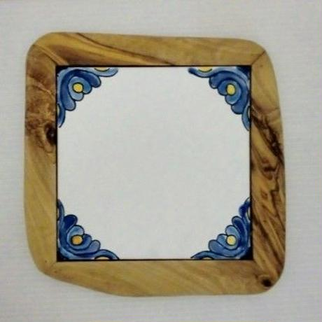 チュニジアタイル・オリーブ木・鍋敷き 21×21cm