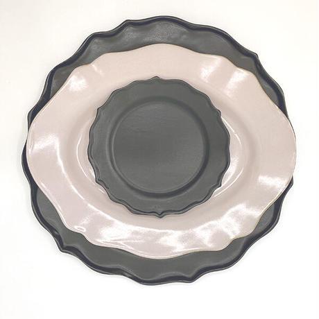 笠間焼 / うすくて軽い輪花皿ブルーム(S)(黒)