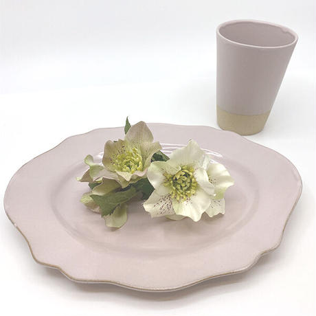 笠間焼 / うすくて軽い輪花皿ブルームワイド(ピンク)