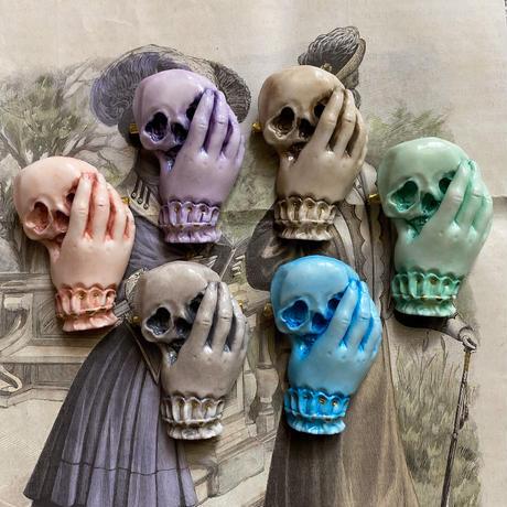 骸骨と貴婦人の手(ロゼシャンパーニュ)