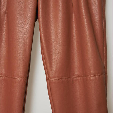 high wasted fake leather pants / camel