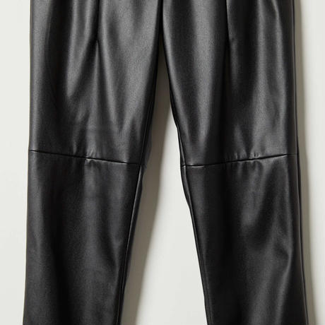 high-waist2darts fake leather pants