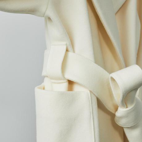Raglan sleeve coat / white