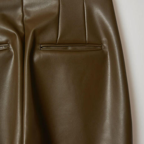 high wasted fake leather pants / olive