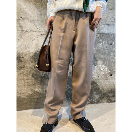 beige pants  [Vp086]