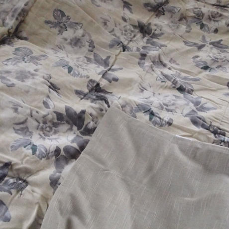 en fil d'Indienne マルチキルトカバー Anemone ecru  160x160