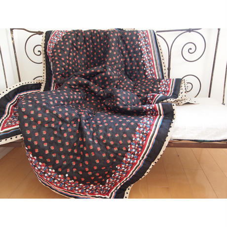 Le petit Lucas プチルカ Reversible quilt 110x200 small rose dots