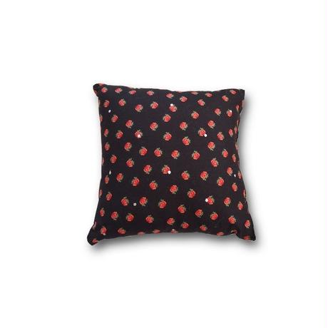 Le petit Lucas プチルカ Cushion 30x30 Small rose