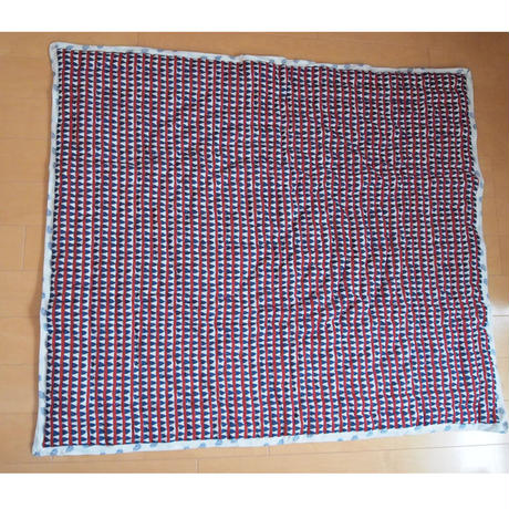 Le petit Lucas プチルカ small quilt 95x105 Triangles