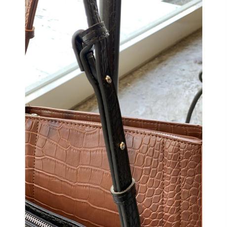 ZURI ・Round Croco Bag(0W48039H)
