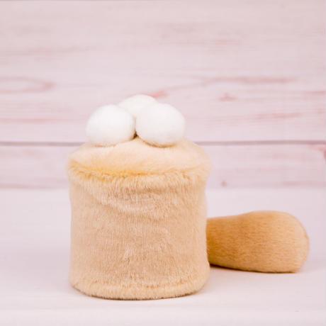 ペット用骨壺カバー / サイズ:3寸 / ベース:クリーム / ボンボン:白・白・白 / しっぽ:クリーム(S014)