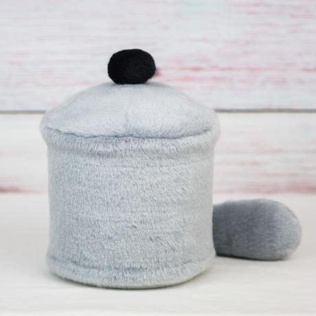 ペット用骨壺カバー / サイズ:4寸 / ベース:グレー / ボンボン:黒 / しっぽ:グレー(S161)