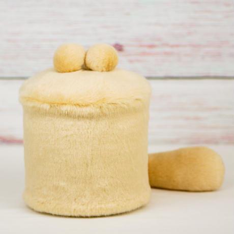 ペット用骨壺カバー / サイズ:4寸 / ベース:クリーム / ボンボン:クリーム・クリーム / しっぽ:クリーム(S182)