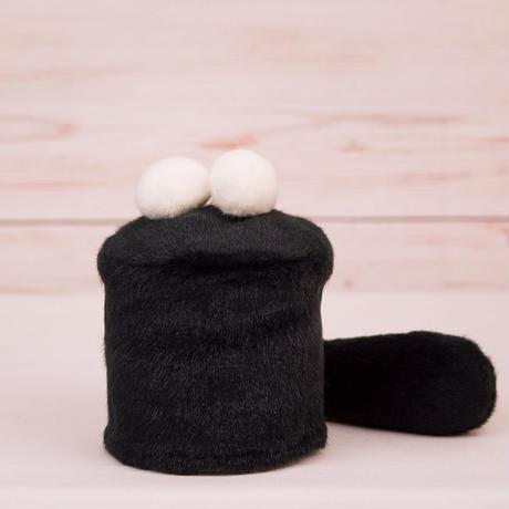 ペット用骨壺カバー / サイズ:3寸 / ベース:黒 / ボンボン:白・白 / しっぽ:黒(S072)
