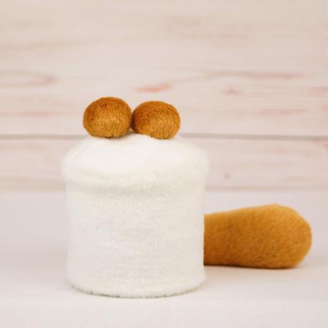 ペット用骨壺カバー / サイズ:3寸 / ベース:白 / ボンボン:ブラウン・ブラウン / しっぽ:ブラウン(S111)