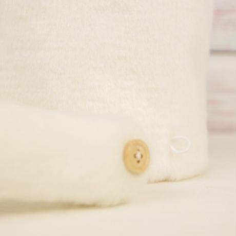 ペット用骨壺カバー / サイズ:4寸 / ベース:白 / ボンボン:白・グレー / しっぽ:グレー(S126)