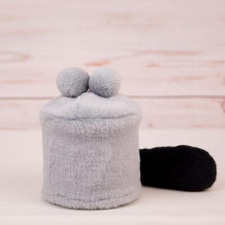 ペット用骨壺カバー / サイズ:3寸 / ベース:グレー / ボンボン:グレー・グレー / しっぽ:黒(S024)