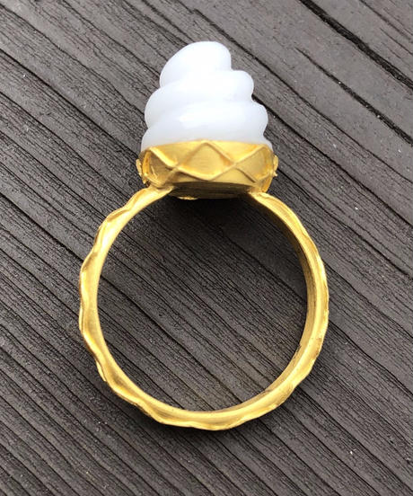 hima ソフトクリームリング small  ジェムパレス