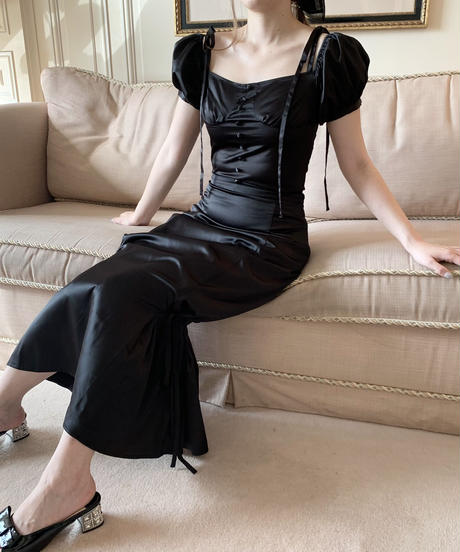 mermaid satin skirt -black-