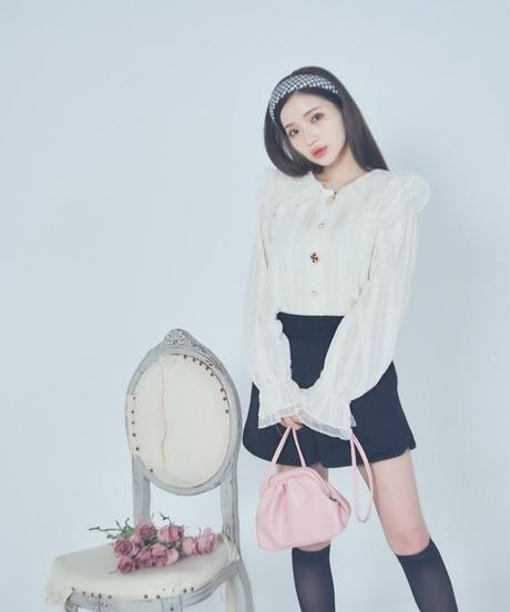 bijou button lace blouse