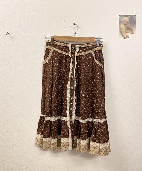 アフターヌーンティーを楽しむスカート3281