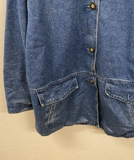 暖かく包んでくれるジャケット2082