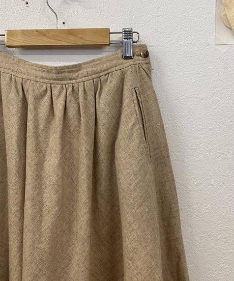 ミルクティーを淹れるスカート3009