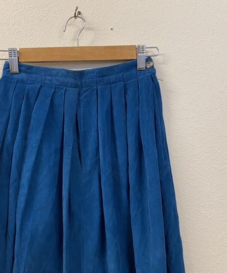 青空が広がるスカート2271