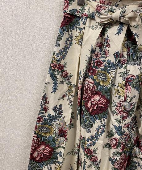 立派に育つお花のスカート3086