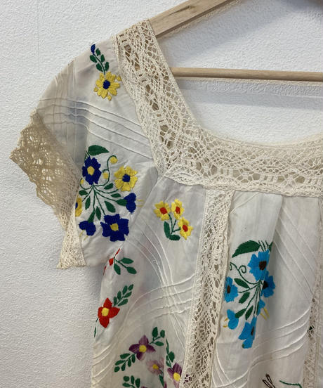 お花の刺繍トップス3732