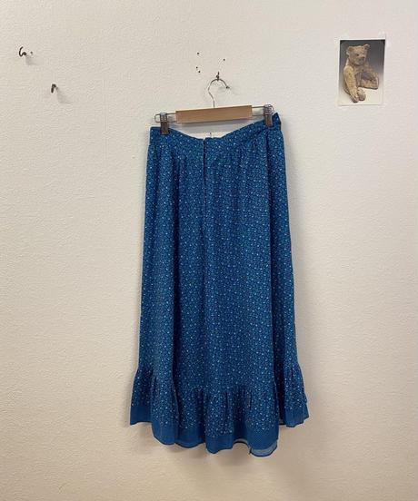 雲ひとつない青空のスカート3751