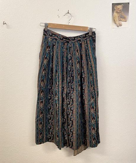 芸術センスが溢れるスカート3183