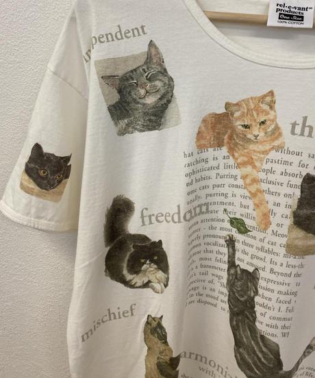 みんな仲のいい猫のTシャツ3618
