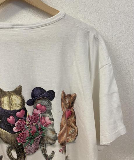 告白しに行くネコのTシャツ3730
