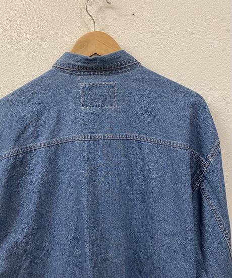 Levisのデニムシャツ1630