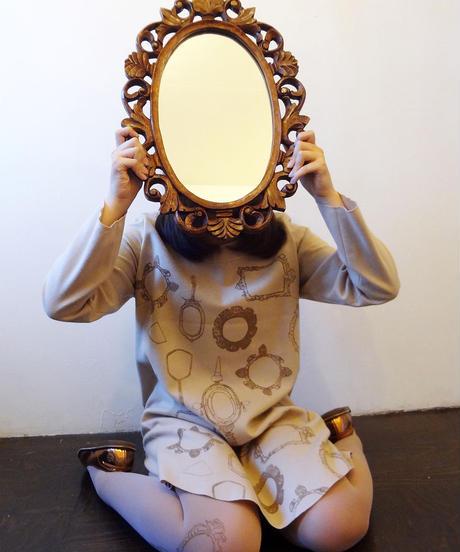 鏡柄のウールワンピース ベージュ Beige