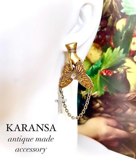 KARANSA/カランサ  KP-27 《蝶と淑女ハンド》 アシンメトリーピアス