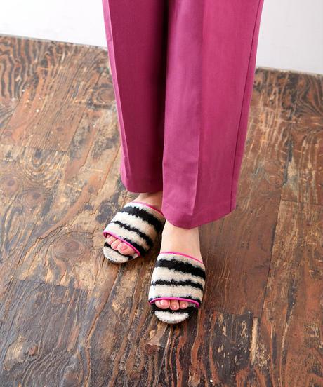 *旅するシューズ* ikat sandals