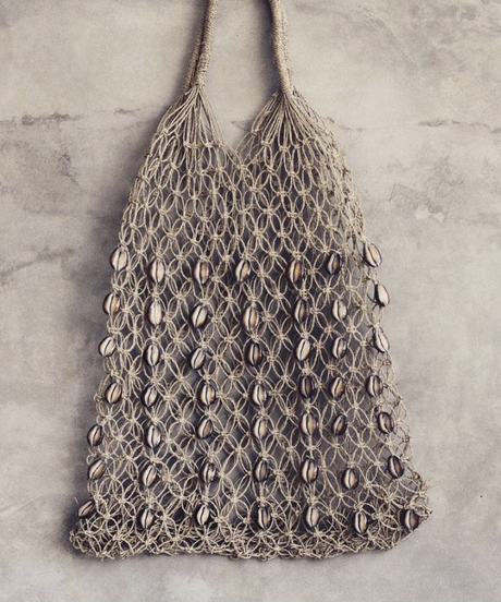 *Straw bag with  shell*