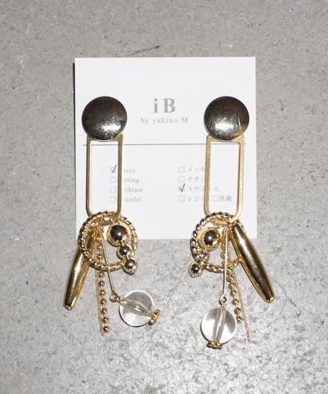 iB // gold D drop ピアス&イヤリング
