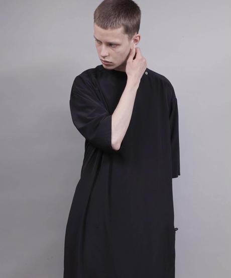 thin long t-shirt/BLACK