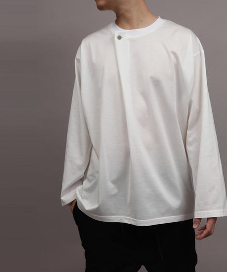 METALCOLOR BUTTON DRAPE LONG SLEEVE T-SHIRT/WHITE